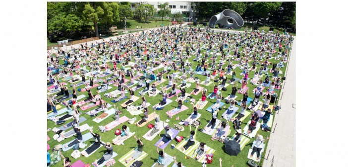 Mid-Park Yoga 2016 – un moment magique d'unité avec le monde (article d'amuzen)