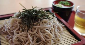 Oedo-WAEN (le banquet de Grand Edo) - festival en plein air de délicieux nouilles soba et de sake (article d'amuzen)