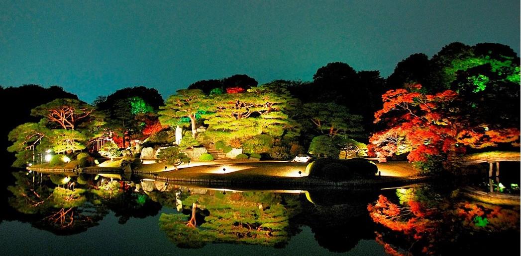 Illumination de feuilles d'automne 2016 au Jardin de Rikugi-en (article d'amuzen)
