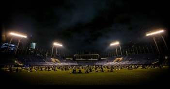 JINGU STADIUM NIGHT YOGA 2017 (article d'amuzen)